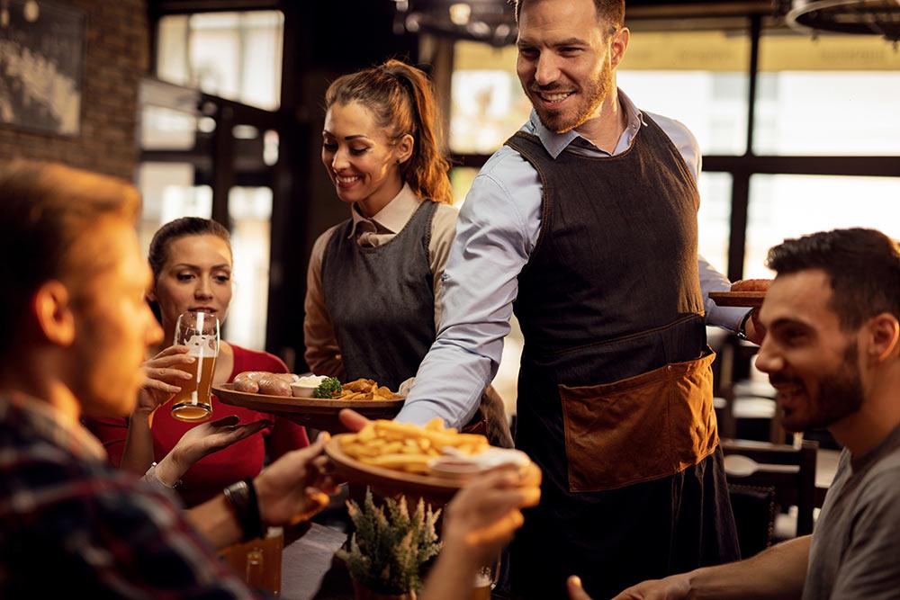 Stile e modernità nelle giacche e pantaloni per pub, birrerie, osterie e steakhouse . Unika Diffusion