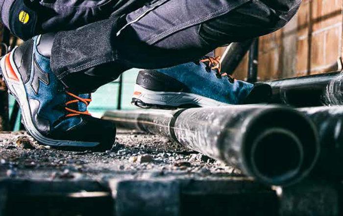 le scarpe antinfortunistiche sono obbligatorie e fanno quindi parte della divisa da lavoro.